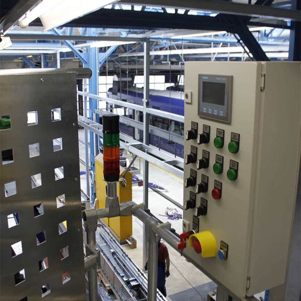 Bedienpult und Signalanlage wurden bereits installiert