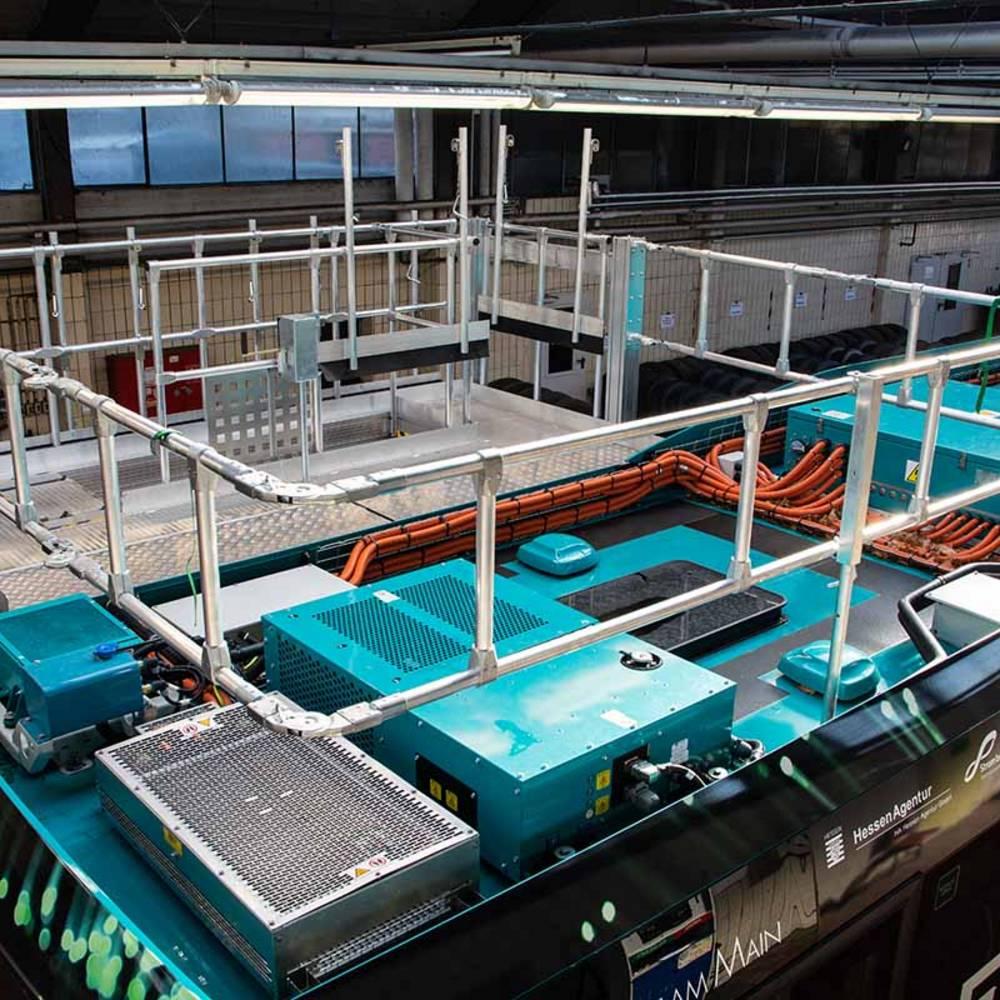 Blick auf die auf dem Dach befindliche Arbeitsfläche