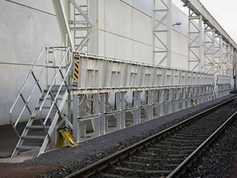 Stationäre Arbeitsbühnen als Aluminium Sonderlösung in professioneller Verarbeitung