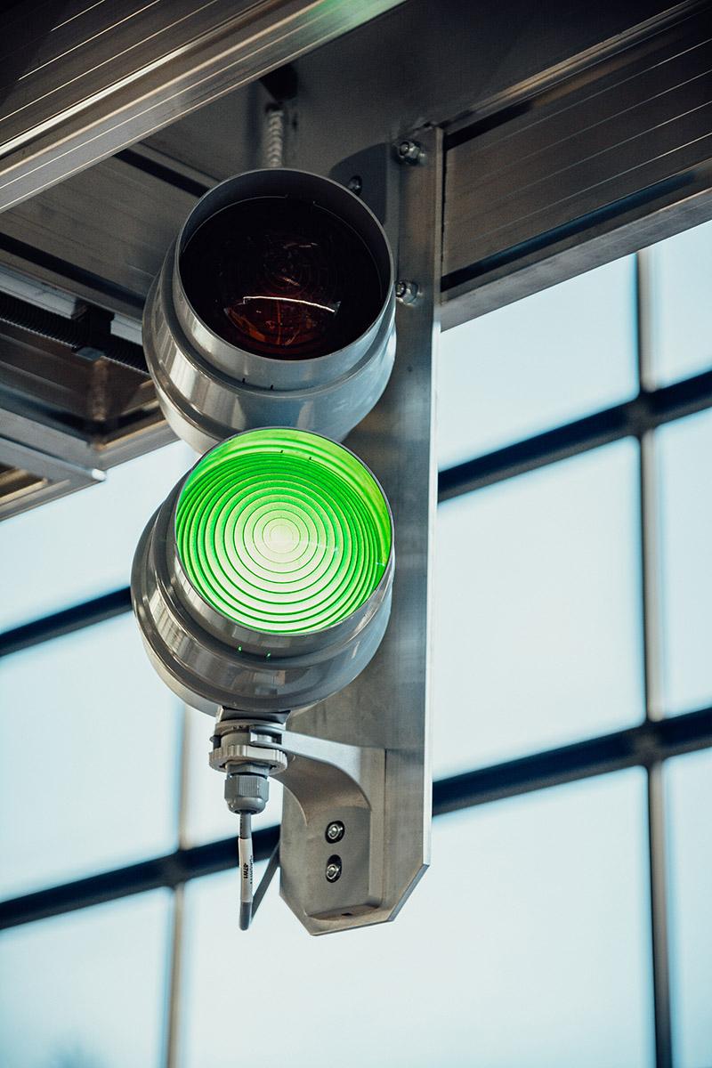 Grünes Licht für die Einfahrt der Busse